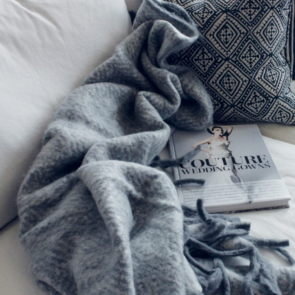 hygge definition, how to hygge, what is hygge, how to have a hygge Christmas, how to have a hygge holiday, hyggelig home, hygge traditions, cozy Christmas traditions, the art of coziness,