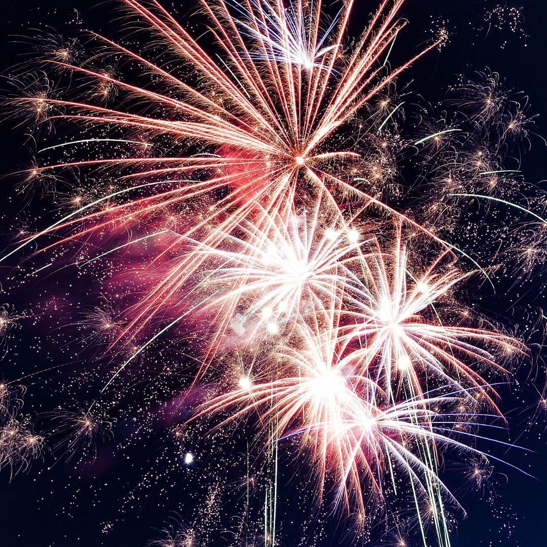 New Year's Resolutions, New Year's Resolution ideas, why new year's resolutions don't work, should you make new year's resolutions? why you should avoid new year's resolutions. How to set new year's resolutions. What to do instead of new year's resolutions. New Year's resolution ideas.
